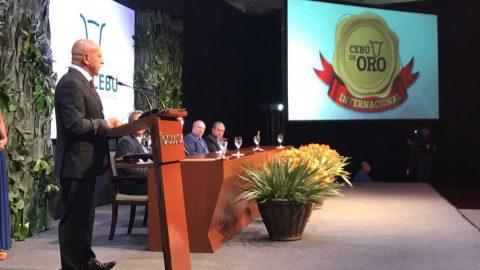 Zootecnista recebe prêmio internacional na Bolívia