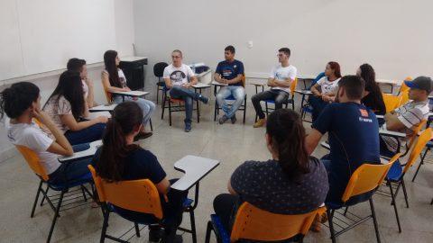 Presidente da ABZ debate crescimento da zootecnia com estudantes do Unipam