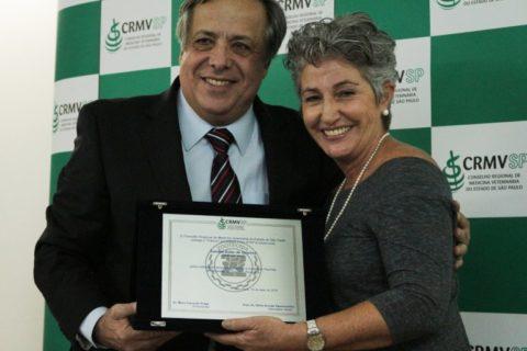 Zootecnista de São Paulo tem carreira reconhecida com premiação