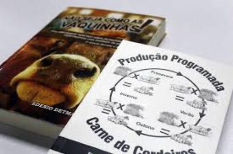 Livros sobre animais de produção são lançados no Zootecnia Brasil